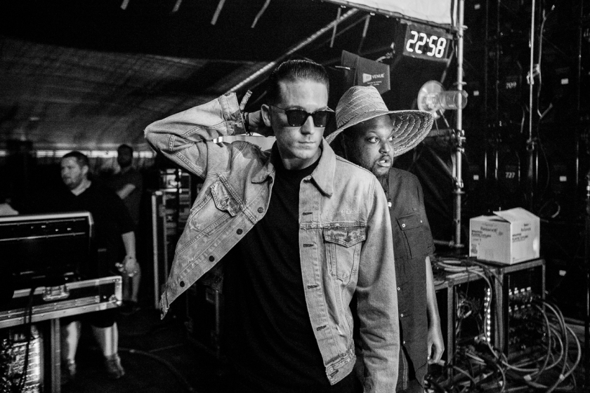 038-2016_G_Eazy_When_Its_Dark_out_tour_stage_coach_imported_April_16234A0129